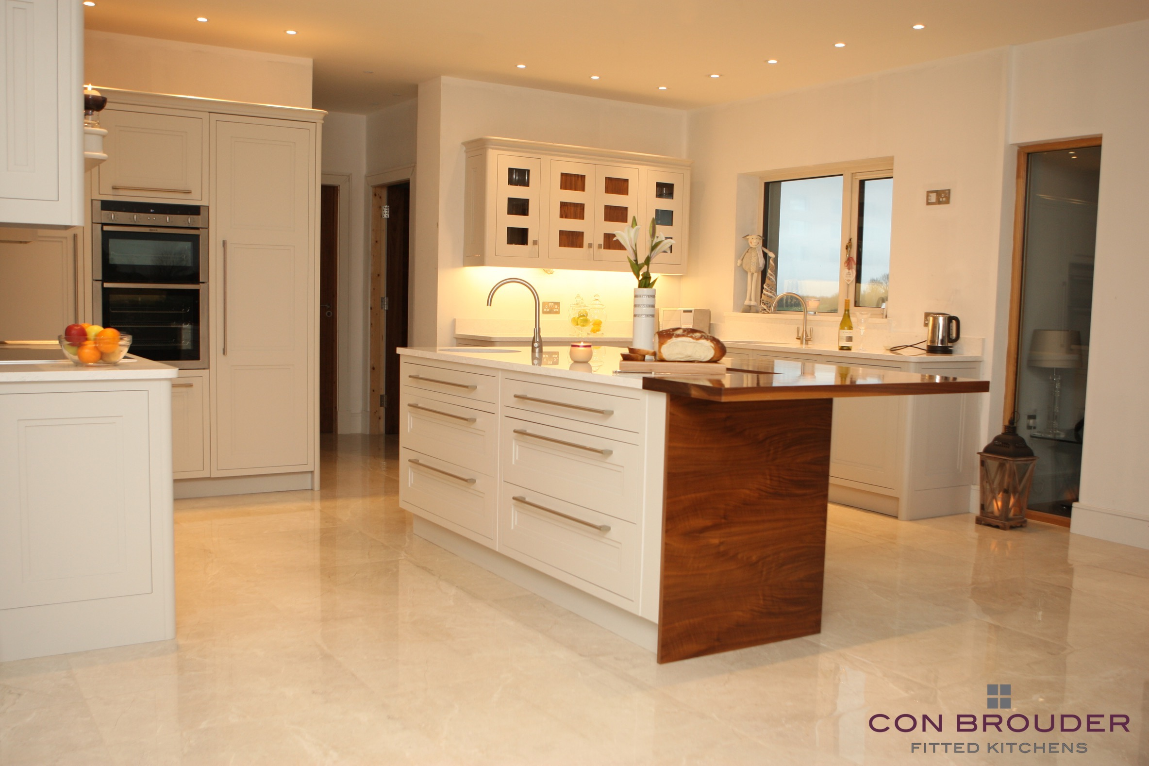 JUNE - SHAKER STYLE - KITCHEN OF THE MONTH
